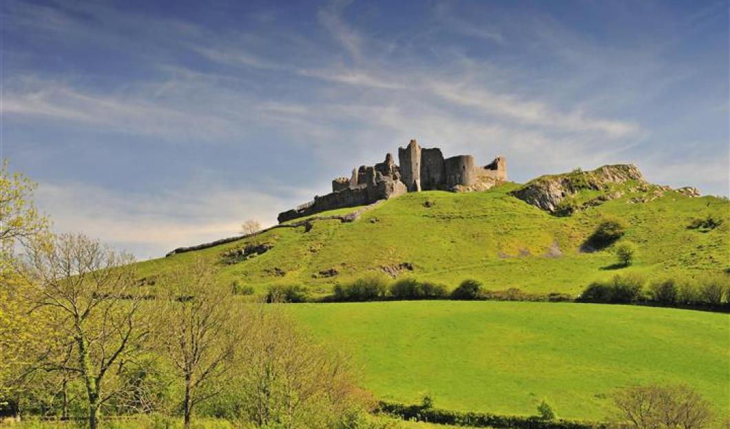 Castello Carreg Cennen, Galles.