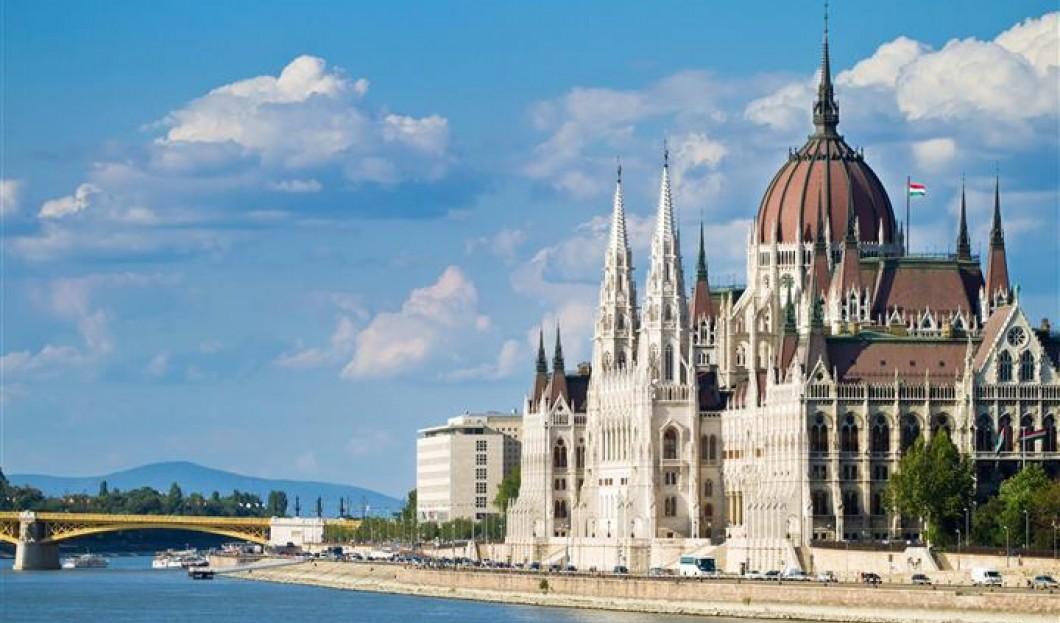6 / Budapest, Ungheria