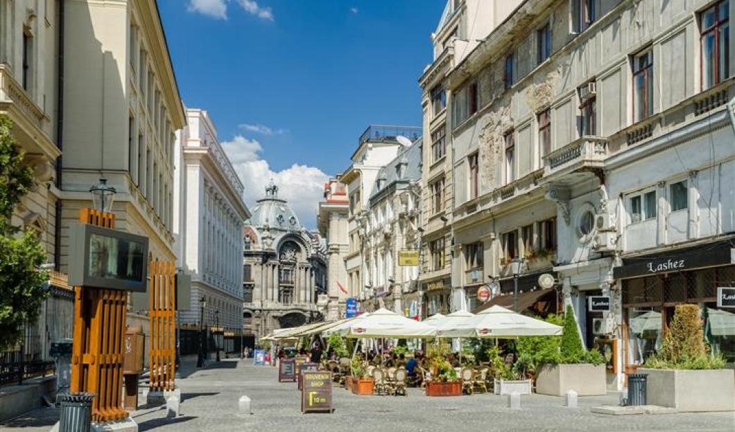 2 / Bucarest, Romania